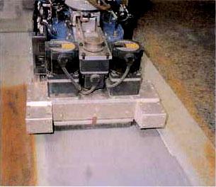 塗装剥離ロボット2